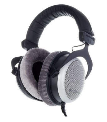 Beyerdynamic DT 880 Pro 250 ohms Semi Open Back Studio Headphones